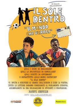 IL SOLE DENTRO Regia: Paolo Bianchini - Sceneggiatura: Paola Rota